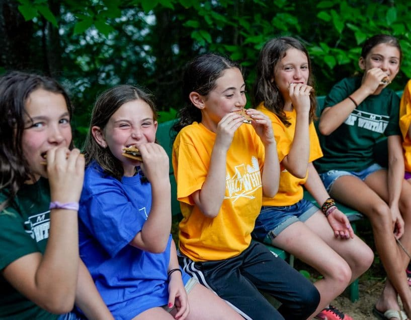 campers eating lunch